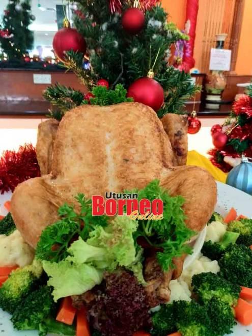 Hidangan wajib Krismas, 'Roasted Whole Turkey'.