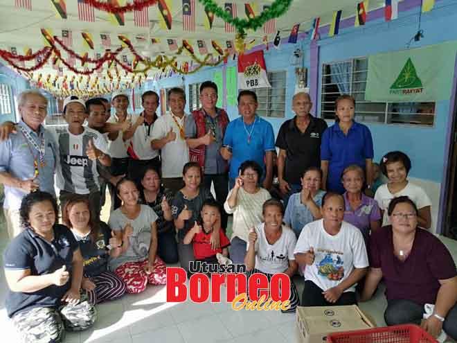 Bediri enam ari kiba Tuai Rumah Ngidang Minggat, Nyabong enggau pemesai Pelilih Kapit Cerisologo Sabut.