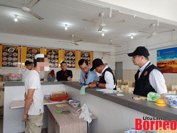 Pekerja Restoran Ditampar Kerana Menegur Pelanggan Merokok Sozcyili