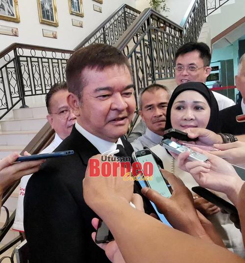 Talat ketika ditemu bual pemberita di lobi Mahkamah Kuching hari ini. - Gambar Roystein Emmor