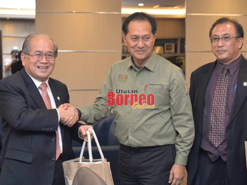 Uggah Terima Kunjungan Hormat Ketua Setiausaha Kementerian Pertanian Dan Industri Asas Tani Utusan Borneo Online