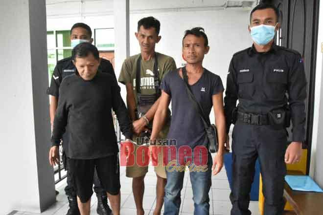 Dua lelaki dipenjara satu bulan dan denda RM25,000 didapati bersalah mengumpul kayu tanpa lesen.