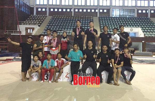 Skuad gimnastik artistik lelaki SUKMA Sabah sempat berlatih dan mengadakan pertandingan persahabatan di Jakarta sebelum PKP dikuatkuasakan. Kelihatan gambar skuad gimnastik bergambar selepas majlis penyampaian hadiah.