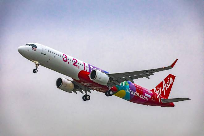 Pesawat Airbus A321neo yang ditempah AirAsia tahun lepas. - Gambar Airbus