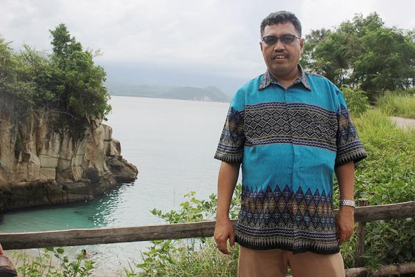 Penulis bergambar di Tanjung Silar.