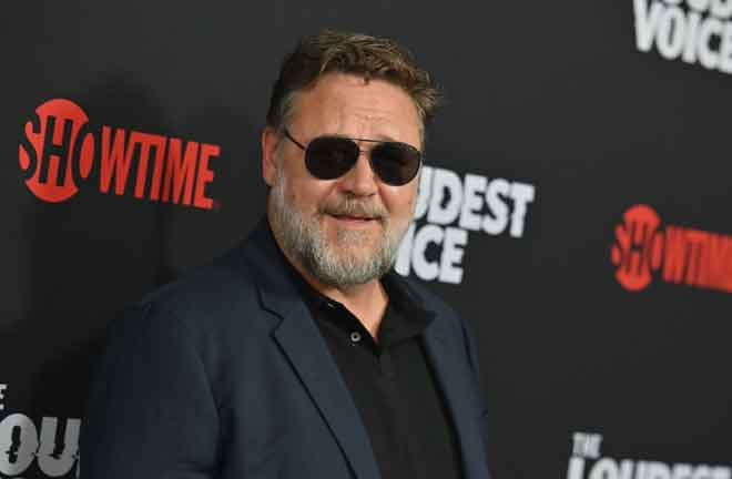 Gambar fail bertarikh 24 Jun 2019 ini menunjukkan pelakon New Zealand Russell Crowe menghadiri tayangan perdana siri terhad  Showtime, 'The Loudest Voice' di pawagam Paris di New York. Selepas dalam keadaan awang-awangan selama lebih tiga bulan disebabkan oleh koronavirus, Hollywood akan kembali semula ke skrin besar – dan berharap filem keganasan jalan raya lakonan Russell Crowe 'Unhinged' dapat melonjakkan pemulihan. Filem aksi itu, yang dijadual keluar pada 10 Julai, bakal menjadi keluaran