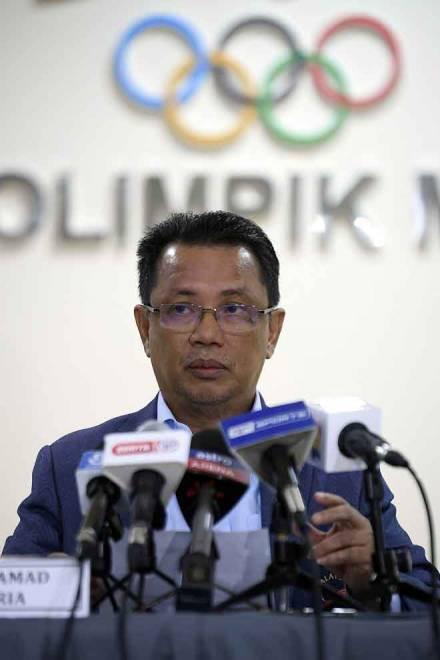 Mohamad Norza mempengerusikan Mesyuarat Lembaga Eksekutif MOM ke-20 di Wisma Olimpik Malaysia semalam. — Gambar Bernama