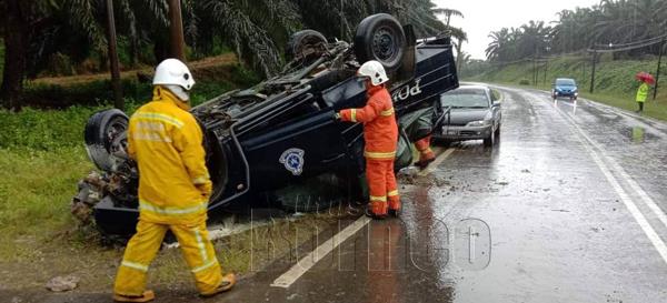 Kemalangan yang melibatkan dua anggota polis cedera.