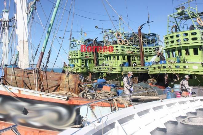 Tiga bot nelayan yang ditahan dalam operasi tersebut.