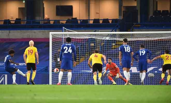 Perlawanan di antara Chelsea dan Watford yang berlangsung di Stamford Bridge. — Gambar AFP