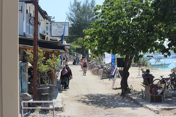 Suasana pantai di Gili Trawangan.