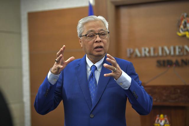 Ismail Sabri bercakap pada sidang media perkembangan PKPP di bangunan Parlimen hari ini. - Gambar Bernama