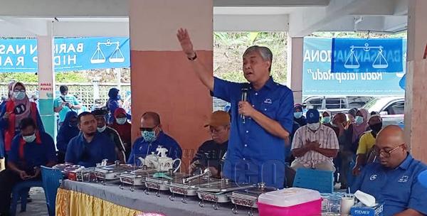 Ahmad Zahid ketika berucap dalam kempen PRN Sabah di PDM Balung.