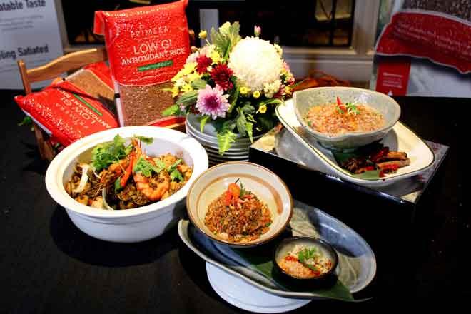 Secawan beras Primera yang dimasak dalam dua setengah cawan air akan menghasilkan nasi merah yang mempunyai rasa kekacang dan sesuai dimakan dengan pelbagai lauk seperti rendang, sup, kari dan sayur tumis.