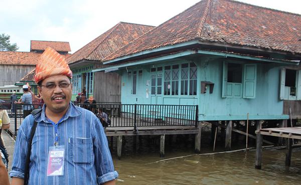 TANDA INGATAN…Penulis mengabadikan gambar di Kampung A Munawar