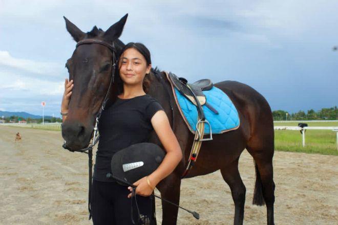 Isabelle berjaya diberi pengiktirafan RSTC dan lesen untuk meneruskan latihan sekali gus menjadi pelatih kuda termuda di dunia.