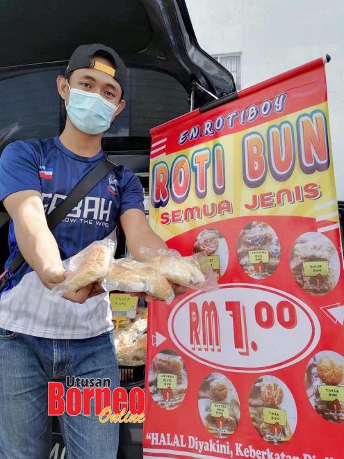 Jualan roti RM1 Ridzuan mendapat sambutan luar biasa pelanggan di sekitar Putatan.