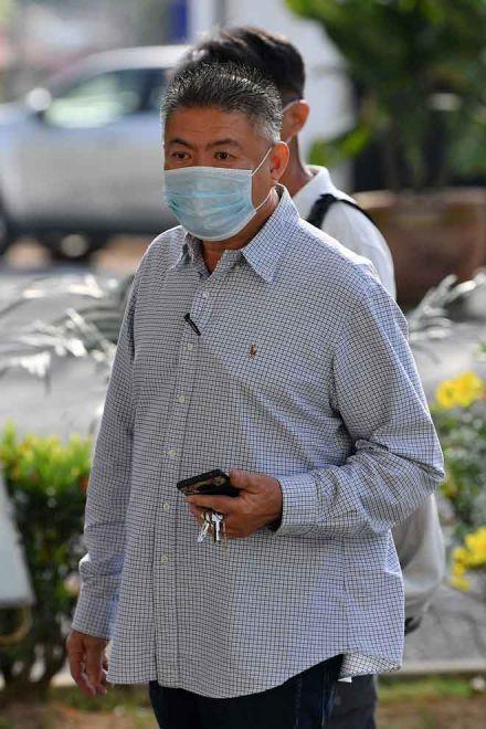 Tan dihadapkan ke Mahkamah Sesyen atas pertuduhan melakukan khianat dengan melepaskan bahan buangan daripada premisnya ke dalam Sungai Selangor sehingga menyebabkan susut bekalan air, Disember lalu. — Gambar Bernama