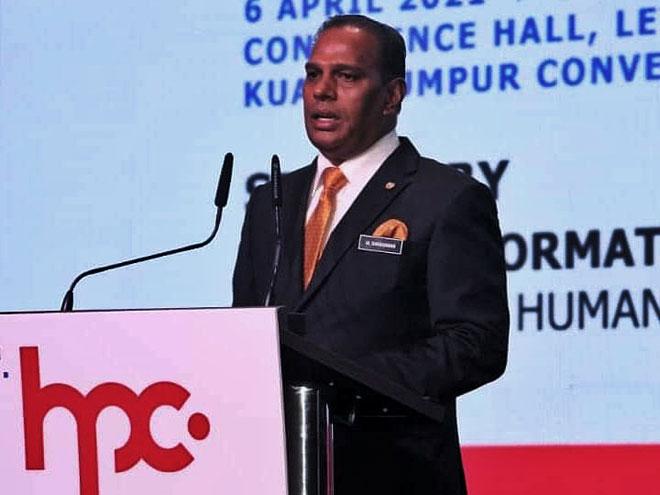 Saravanan berucap pada majlis perasmian portal Pusat Penempatan HRDF (HPC) di Pusat Konvensyen Kuala Lumpur (KLCC) Selasa lalu.