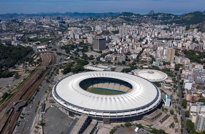 Gambar fail ini menunjukkan pemandangan dari udara Stadium Maracana di Rio de Janeiro, Brazil. — Gambar AFP