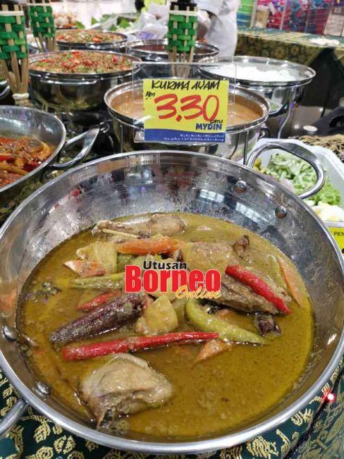 MYDIN RTE Bazar Ramadan menjual pelbagai jenis juadah dengan harga yang berpatutan.