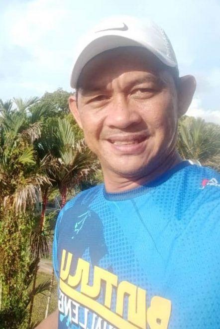 Zaidi merakam gambar semasa sihat serta aktif dengan hobi mengayuh basikal.