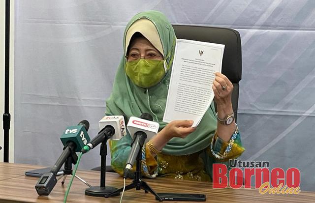 Fatimah mengadakan sidang media mengenai pembukaan taska yang memberi perkhidmatan kepada anak-anak ibu bapa bekerja dalam sektor perkhidmatan penting di zon merah COVID-19, di Sarawak, hari ini.