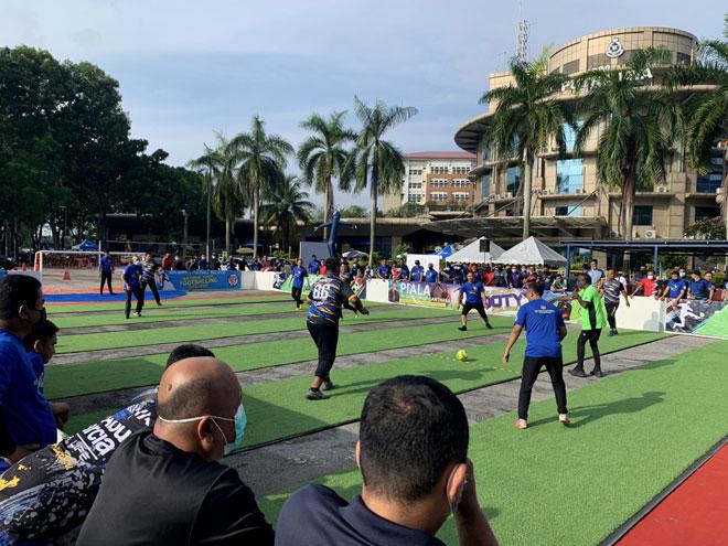 Kekal aktif dengan 'Footy', bola sepak norma baharu