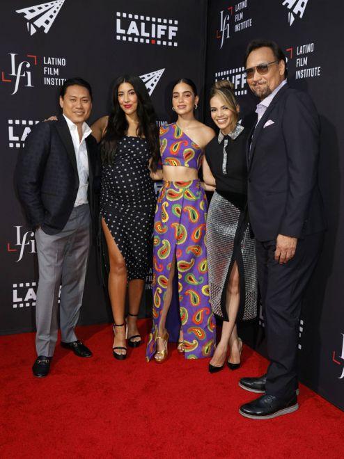 (Dari kiri) Jon M. Chu, Stephanie Beatriz, Melissa Barrera, Leslie Grace dan Jimmy Smits semasa menghadiri tayangan khas filem 'In The Heights' semasa Los Angeles Latino International Film Festival 2021 pada 4 Jun lepas. — Gambar AFP