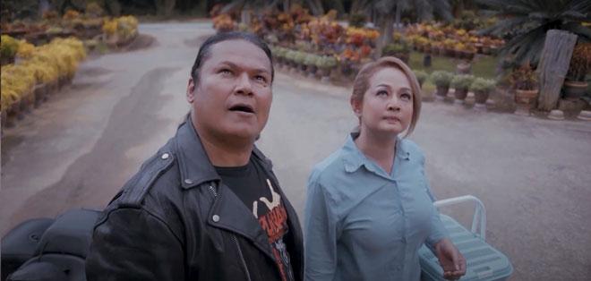 Filem yang akan menemui penonton di Astro First mulai 8 Julai ini juga menghimpunkan barisan pelakon terkenal dan pelawak tanah air seperti Ropie, Jasmin Hamid,Tasha Shilla, dan Azlee Senario. — Gambar Astro