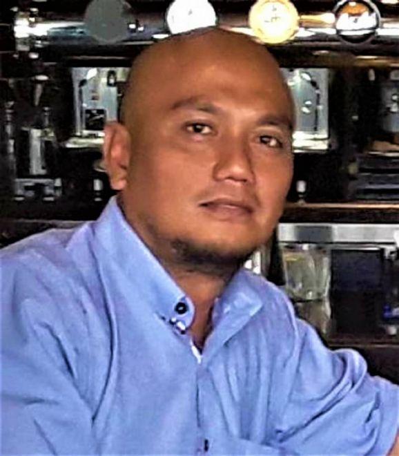 Raymond Ako, kontraktor