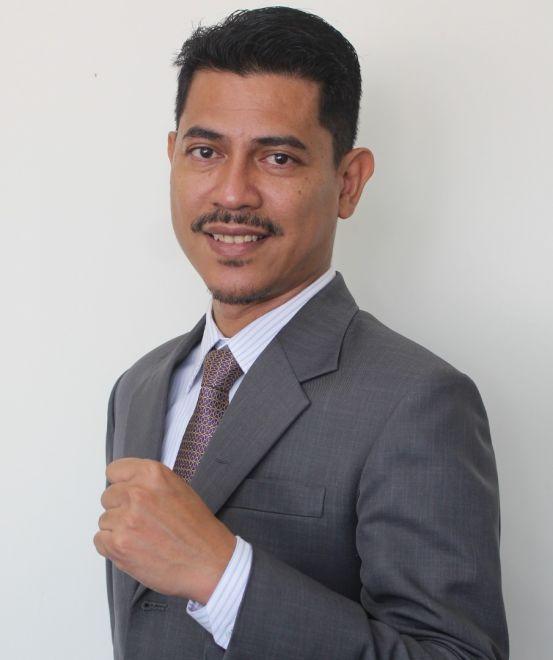 Iqbal Abdollah, penjawat awam