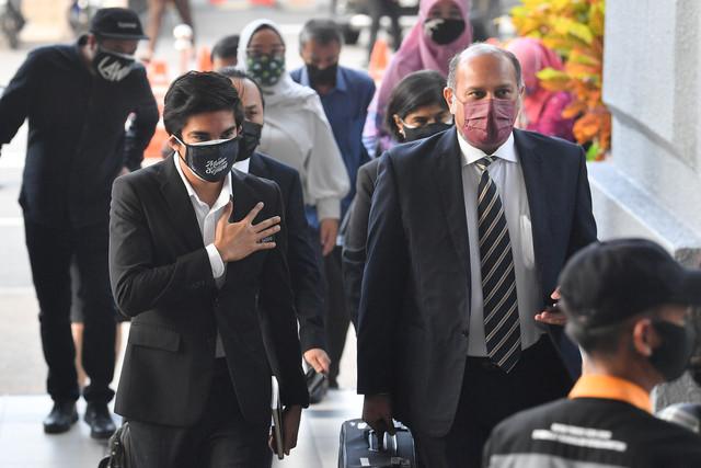 Syed Saddiq didakwa di Mahkamah Sesyen hari ini atas satu pertuduhan pecah amanah membabitkan dana sebuah parti politik berjumlah RM1 juta. Tertuduh juga didakwa di mahkamah berasingan atas pertuduhan menyalahgunakan wang sumbangan RM120,000 untuk kempen Pilihan Raya Umum ke-14 (PRU14). -Gambar Bernama