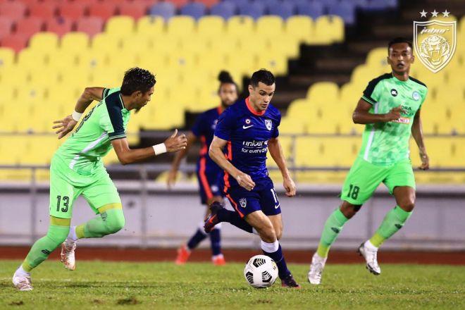 Antara babak perlawanan antara JDT dan Melaka United pada malam Selasa. - Gambar Facebook Johor Southern Tigers