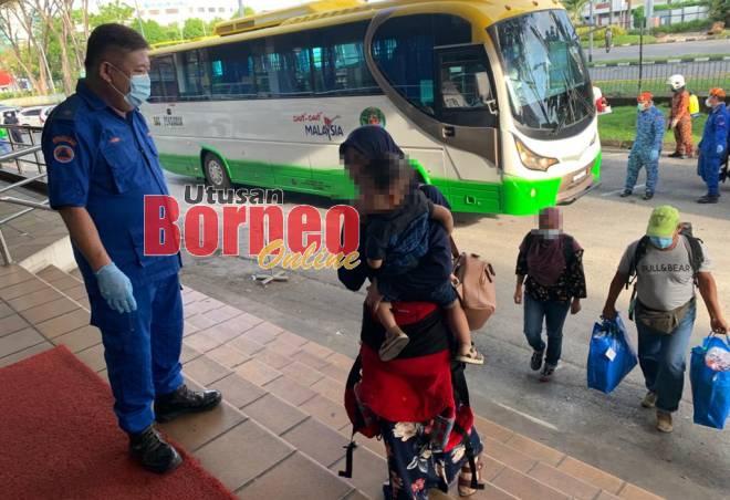 Masuk Sarawak tak perlu kuarantin jika lengkap vaksin