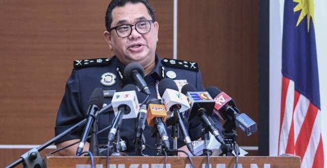 Huzir pada sidang media mengenai kejayaan Jabatan Siasatan Jenayah (JSJ) di Ibu Pejabat Bukit Aman hari ini. - Gambar Bernama