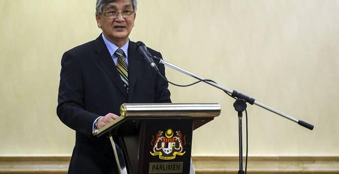 PELANCARAN: Mohamad Ariff ketika berucap pada Majlis Pelancaran Buletin Khas Persatuan Pedagang dan Pengusaha Melayu Malaysia (PERDASAMA) di Bangunan Parlimen, Kuala Lumpur, semalam. — Gambar Bernama