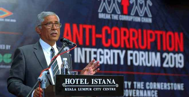 AMANAT: Abu Kassim berucap pada 'Anti-Corruption And Integrity Forum 2019' di Kuala Lumpur, semalam. — Gambar Bernama