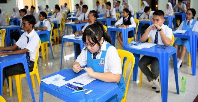 416,416 orang calon telah mendaftar untuk menduduki peperiksaan itu pada tahun ini di 3,313 pusat peperiksaan di seluruh negara. - Gambar fail Bernama