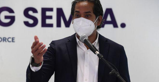 Khairy ketika sidang media mengenai perkembangan Program Imunisasi COVID-19 Kebangsaan selepas menghadiri mesyuarat bersama Jawatankuasa Khas Jaminan Akses Bekalan Vaksin COVID-19 (JKJAV) di Kompleks F hari ini. - Gambar Bernama