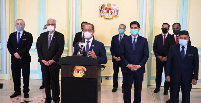 Muhyiddin ketika Perutusan Khas yang disiarkan secara langsung menerusi stesen televisyen tempatan termasuk Radio Televisyen Malaysia (RTM) dan Bernama TV hari ini. - Bernama