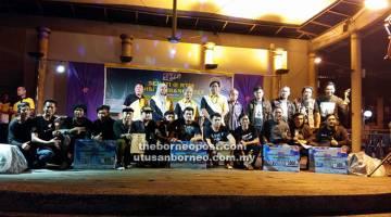 ALBUM: Tetamu kenamaan bergambar dengan para pemenang Juara Kugiran.