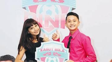 TARIKAN HEBAT: Erissa dan Wafiy sebagai tonggak utama dalam filem TV eksklusif untuk tayangan saluran Astro First Eksklusif berjudul 'Kasut Bola Pink' pada bulan Mac ini.