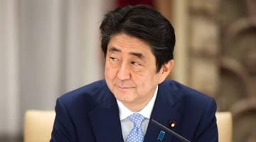 NAFI: Abe bercakap pada sidang media di kediaman rasminya di Tokyo, baru-baru ini. — Gambar AFP