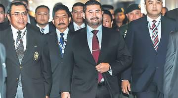 VISI BAHARU: Tunku Ismail berangkat tiba ke Kongres Persatuan Bolasepak Malaysia Kali ke-53, semalam. Tunku Ismail hadir selepas dilantik sebagai Presiden Persatuan Bolasepak Malaysia (FAM) yang baharu. — Gambar Bernama