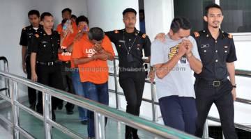 REMAN:  Seorang pengurus Dewan Bandaraya Kuala Lumpur (DBKL) dan enam kontraktor ditahan reman selama lima hari bermula semalam bagi membantu siasatan mengenai kes rasuah serta salah guna kuasa di Shah Alam. — Gambar Bernama