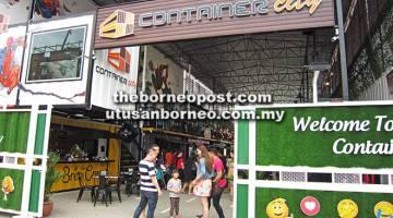 BERLAINAN: Container City terletak di Jalan North Yu Seng Utara, Miri.