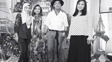 KONGSI PENGALAMAN HAMIL: (Dari kiri) Razlin Irawati Johar (Penolong Naib Presiden Perniagaan Gen Next Astro), Jihan Muse, Ungku Hariz dan Putri Yasmin Megat Zaharuddinn.