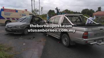 REMUK: Keadaan kedua-dua kenderaan dalam kemalangan tersebut.