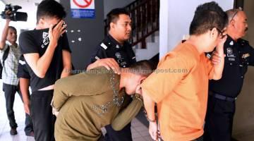 MENGEDAR DADAH: Saw, Kuang dan Chin untuk didakwa di Mahkamah Majistret Air Keroh semalam, atas dua pertuduhan mengedar dadah jenis Methamphetamine berjumlah 201.3 kilogram 3 Mac di Melaka. — Gambar Bernama